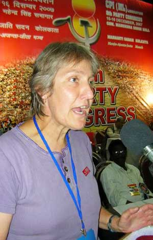 Sue Bolton addresses CPIML-Liberation congress in Kolkata, India, December 2007